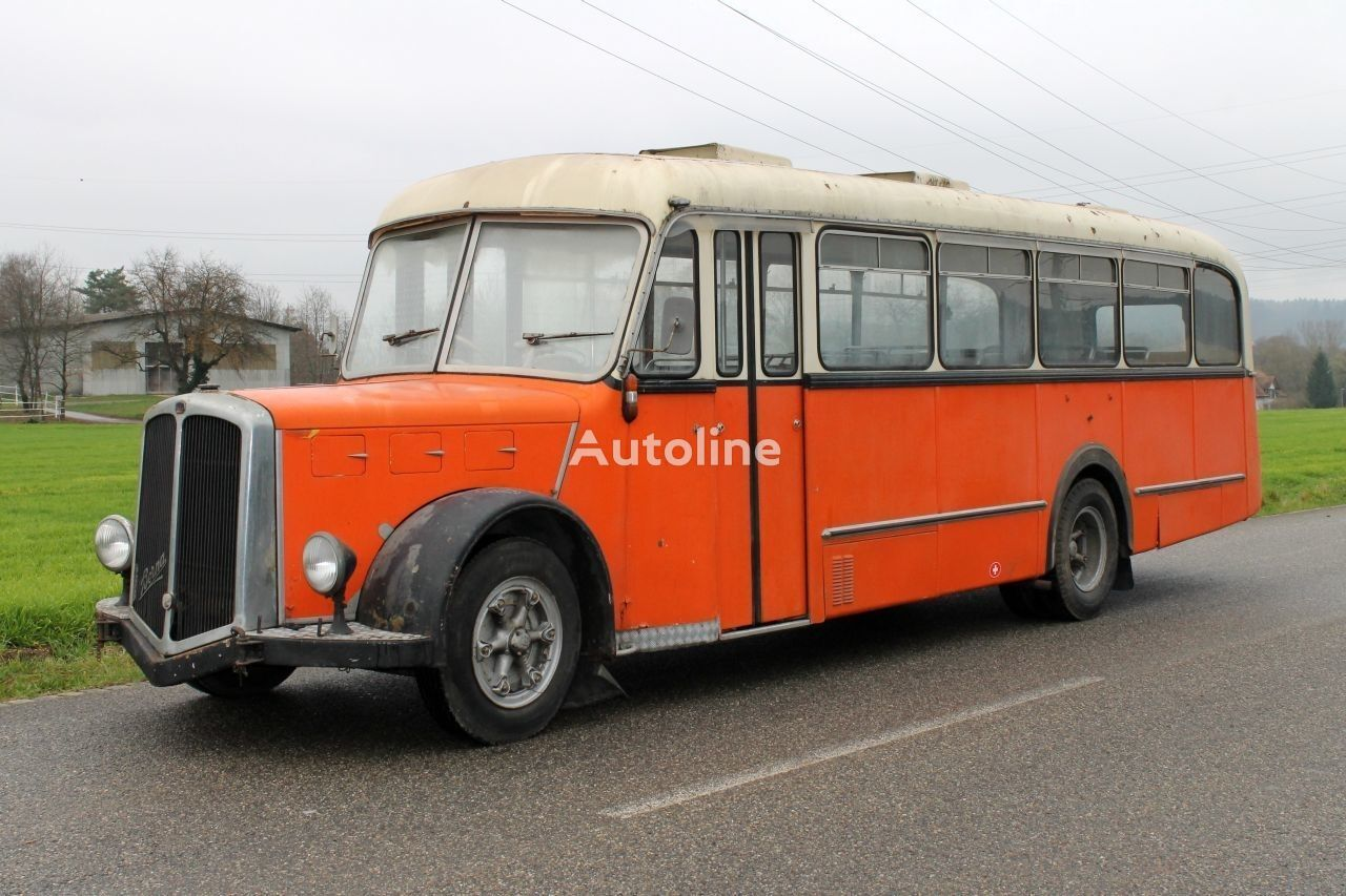 междуградски автобус BERNA Saurer