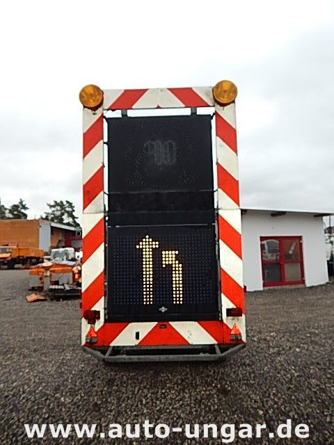 бордово ремарке SCHMITZ Schiffner &amp Verkehrsleittafel LED