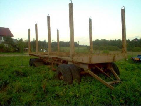 ремарке транспорт на дървесина