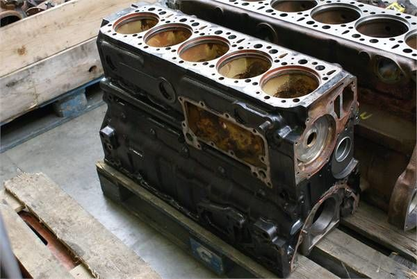 цилиндров блок за друга строителна техника MERCEDES-BENZ D 409BLOCK