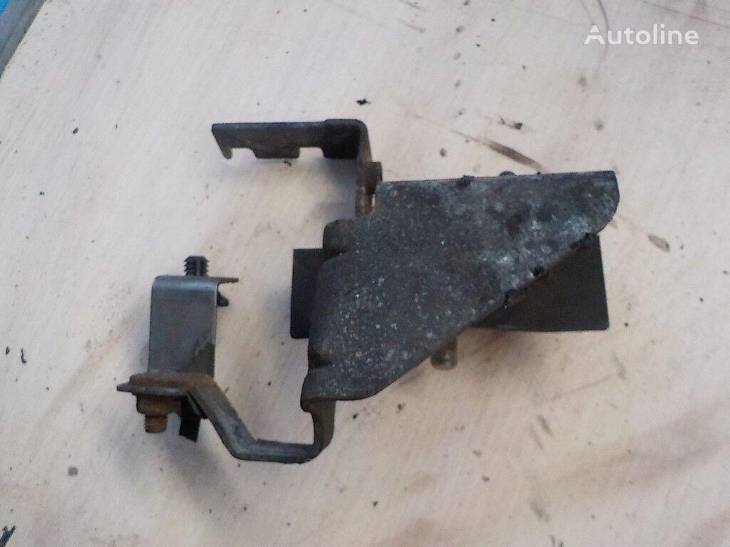 държател  двигателя за камион RENAULT