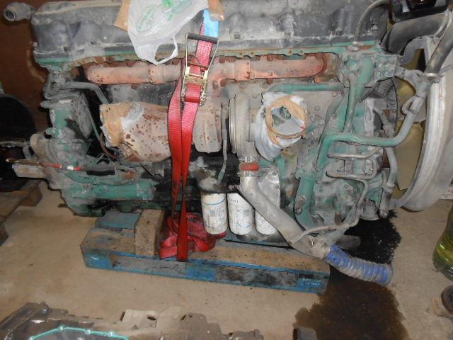 двигател  D13A480EC01 VOLVO ENGINE KW353/480 cm³ 12780 за влекач VOLVO FH13 440/480