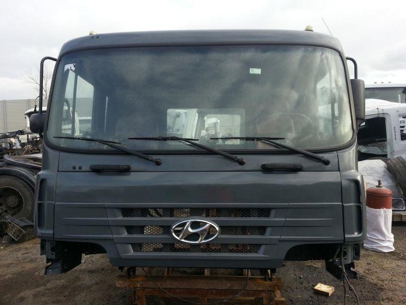 кабина за камион HYUNDAI HD 170 250 270 370 450 500