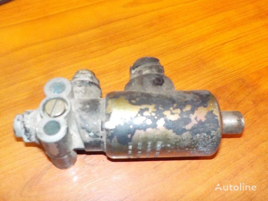 клапан  Электромагнитный клапан КПП MAN за камион