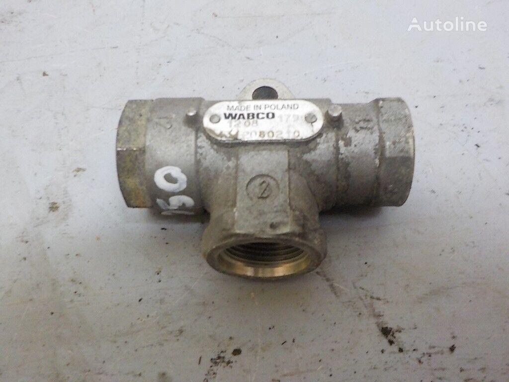 клапан  пневматический,тормозной за камион RENAULT