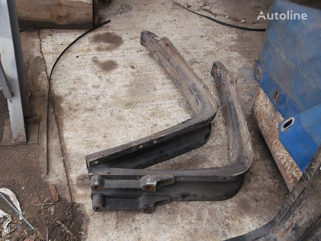 крепежни елементи  Кронштейн топливного бака за камион