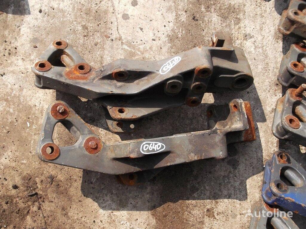 крепежни елементи  Задний кронштейн рессоры за камион