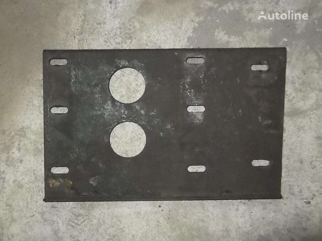 крепежни елементи  Кронштейн противооткатов MAN за камион