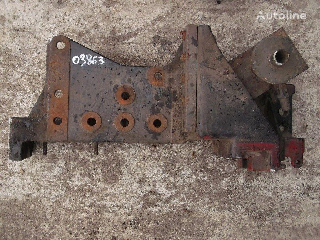крепежни елементи  Кронштейн переднего бампера RH Volvo за камион