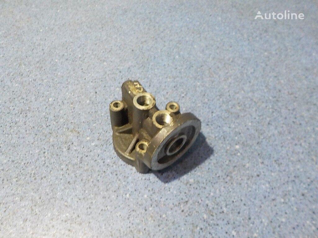 крепежни елементи  Кронштейн фильтра системы охлаждения масла Scania за камион