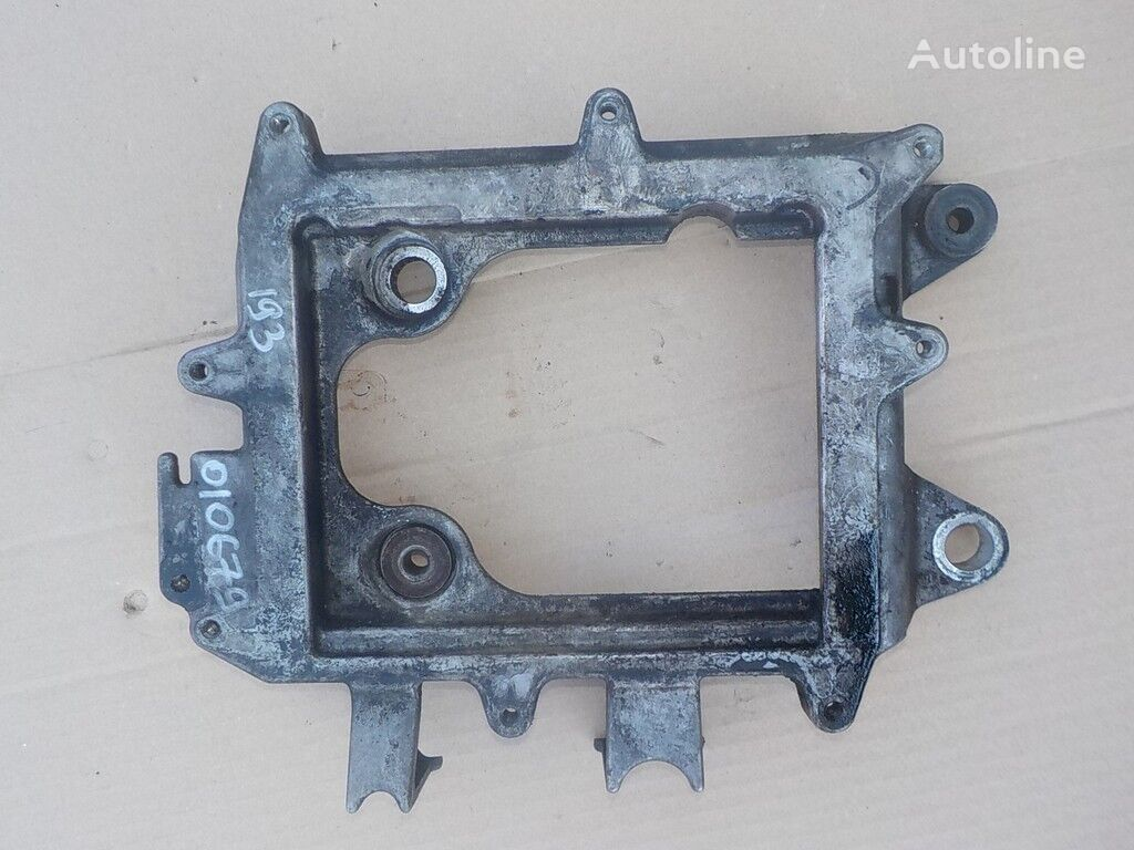 крепежни елементи  MAN Кронштейн (блок управления двигателем) за камион