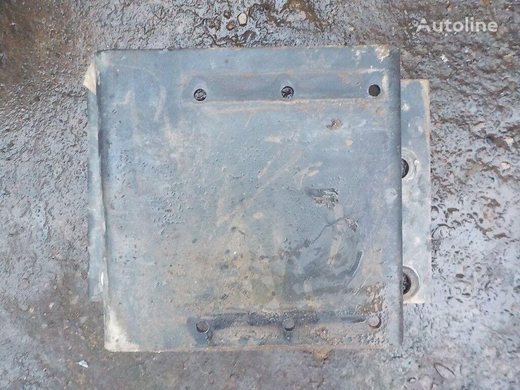 крепежни елементи  Кронштейн автономки за камион IVECO