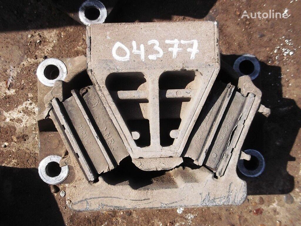 крепежни елементи  Опора двигателя за камион MERCEDES-BENZ