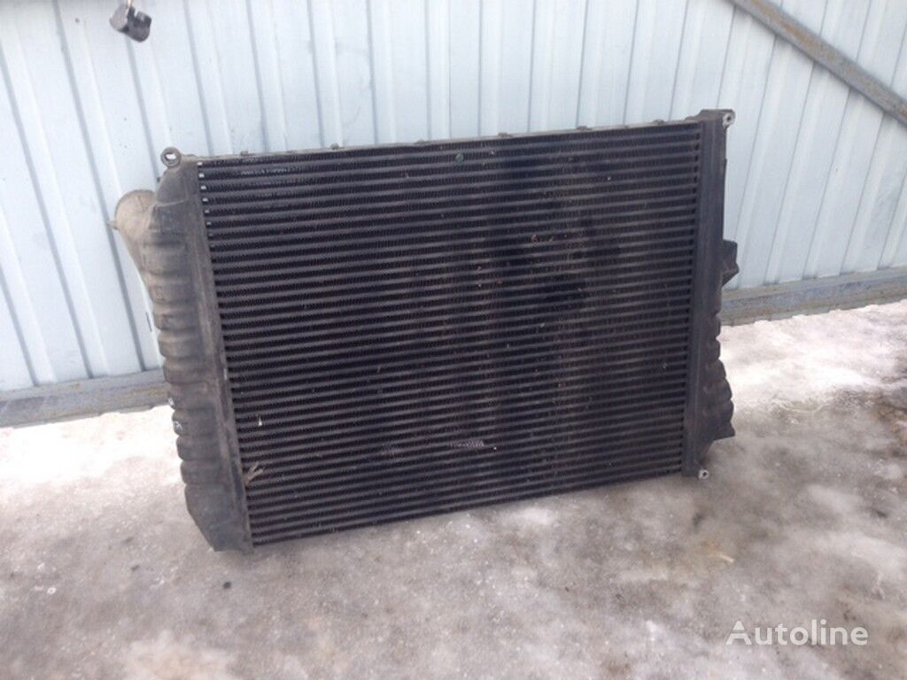 охлаждане на двигателя радиатора  Интеркулер Volvo (907x728x63) за камион