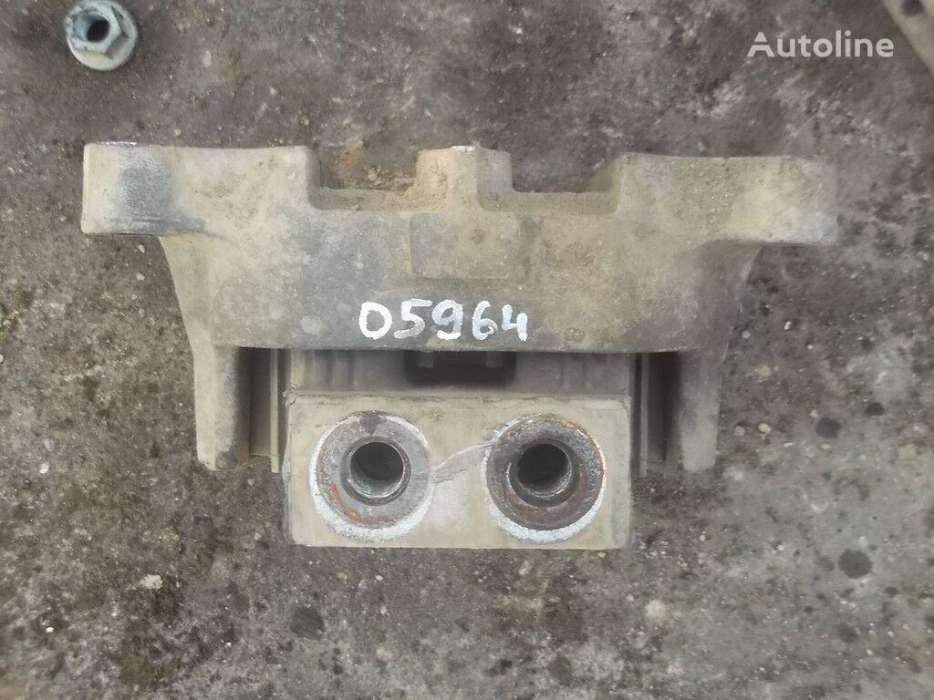 опорна възглавница  Подушка двигателя спереди Mercedes Benz за камион