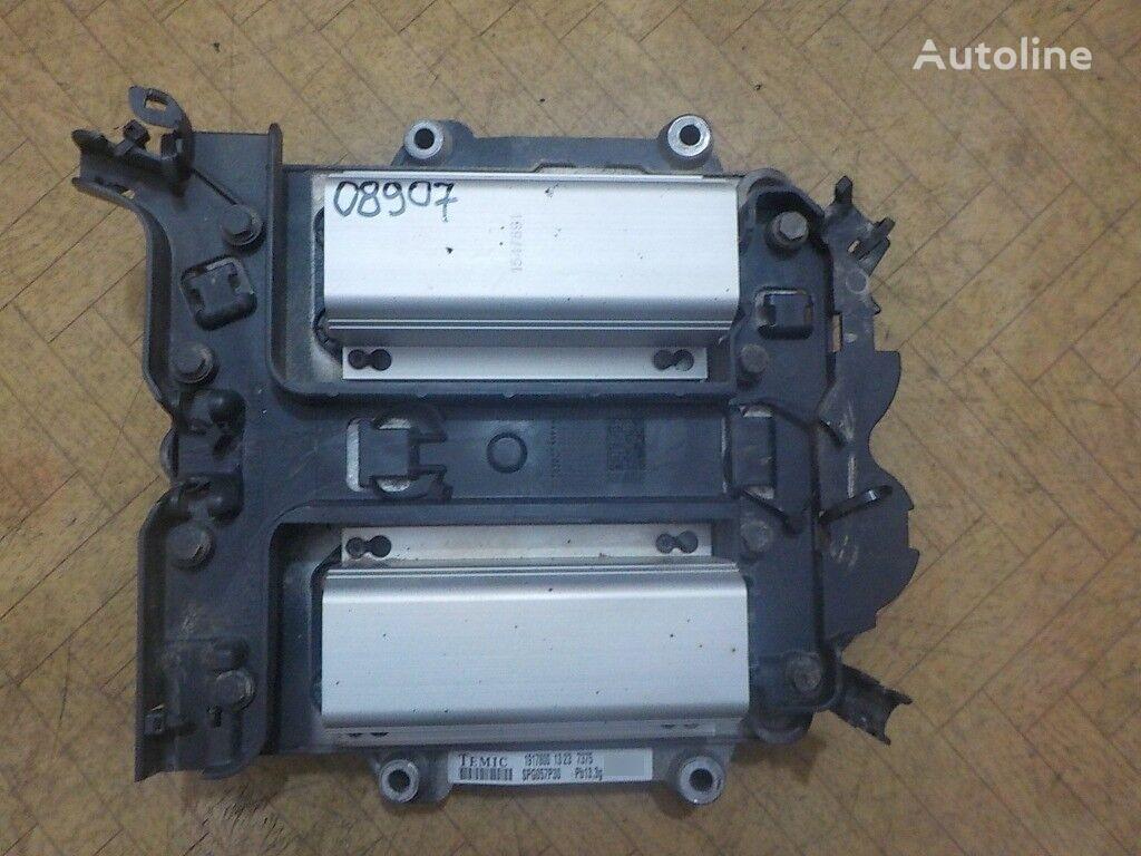 панелен блок  двигателем ECU EMS DC13 103 за камион SCANIA