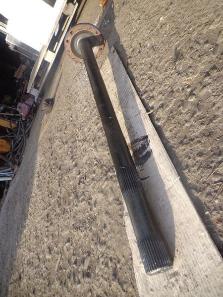 полуоска  34 шлица за камион VOLVO FM, FH