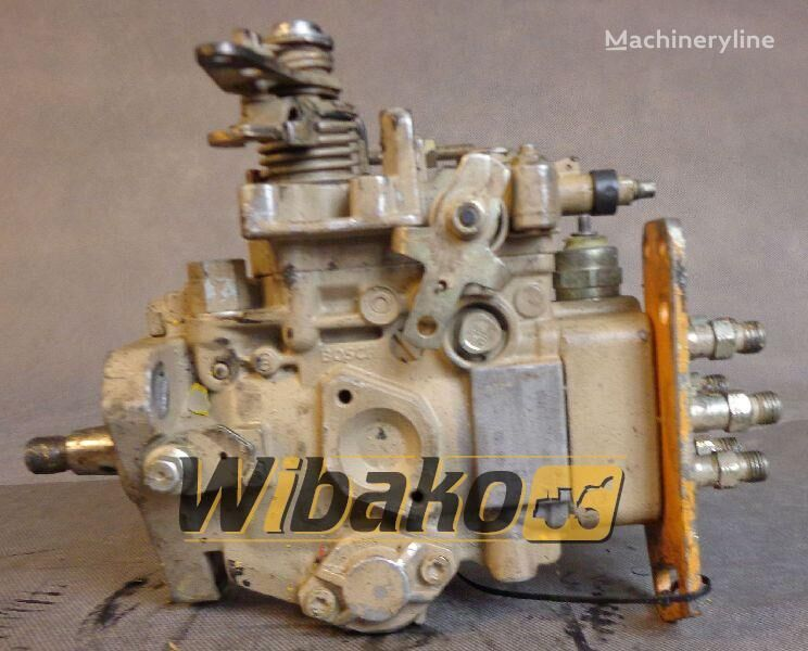 помпа за впръскване на гориво под високо налягане  Injection pump Bosch 3916937 за багер 3916937 (0460426152)