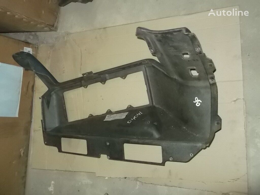 резервни части  Обшивка передней панели Mercedes Benz за камион
