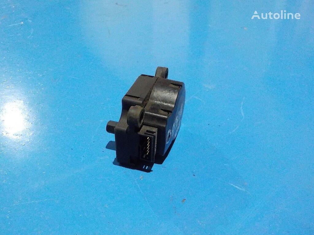 резервни части  MAN Моторчик привода заслонок отопителя за камион
