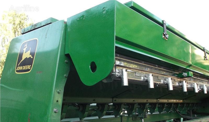 нов засяващ апарат  Приспособление для внесения удобрений за сеялка JOHN DEERE