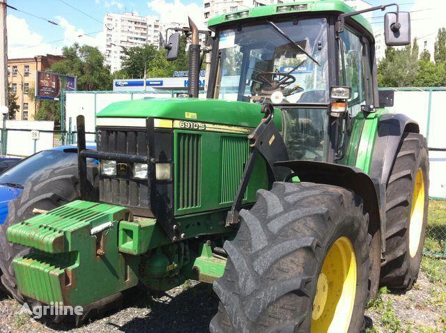 колесен трактор JOHN DEERE 6910