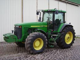 колесен трактор JOHN DEERE 8300