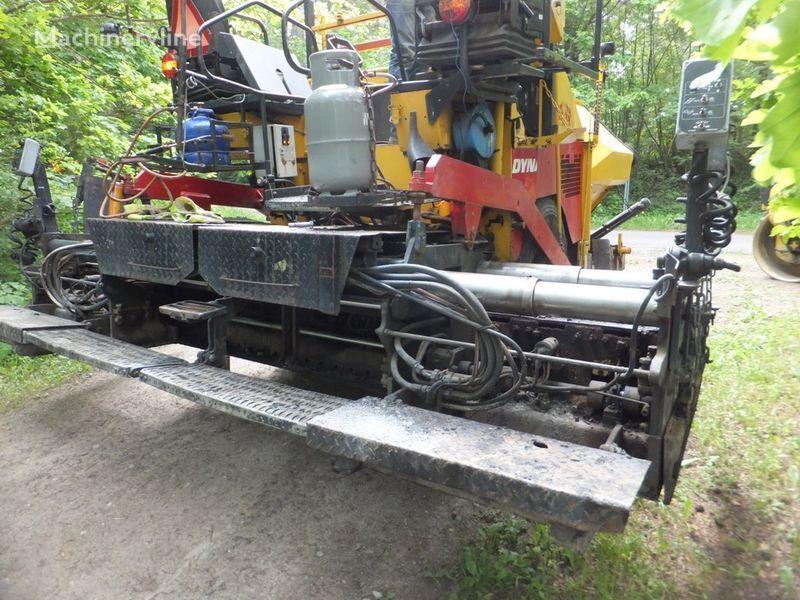 колесен асфалтополагач DYNAPAC F8-4W
