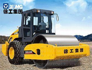 нов валяк за почва XCMG XS182