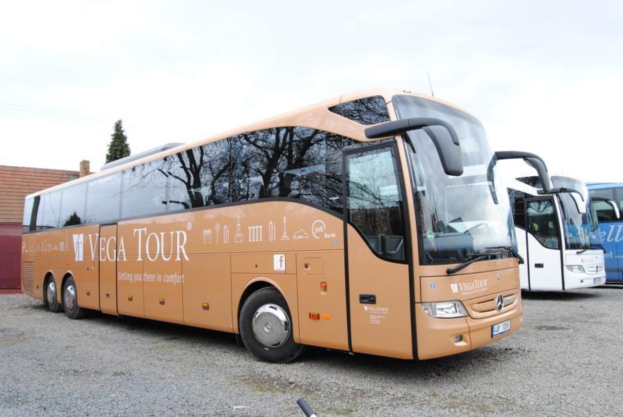 туристически автобус MERCEDES-BENZ Tourismo 17 RHD