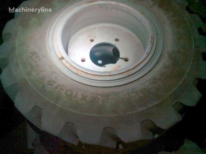 нова гума за багер Industrial & Mining Power Trax HD  27x10-12