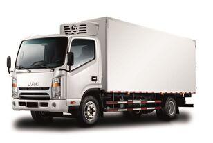 нов хладилен камион JAC Изотермический фургон с ХОУ JAC N 80