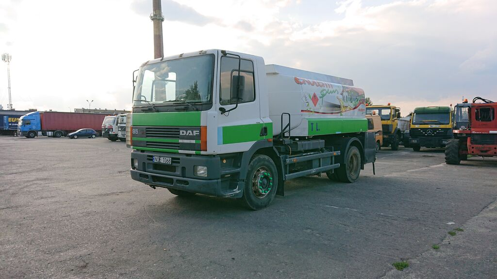 камион цистерна за горива DAF 85