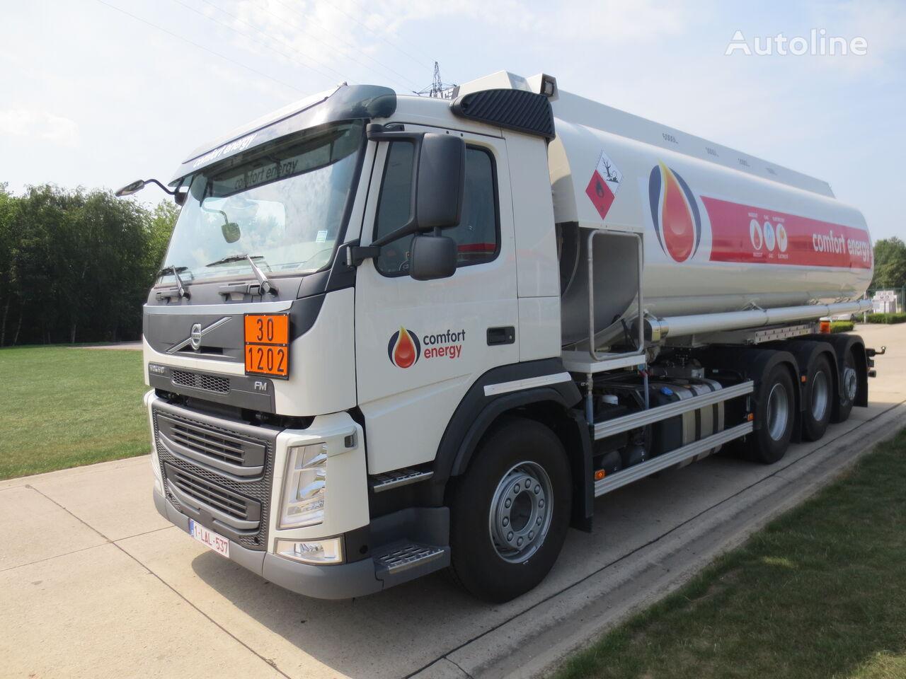 камион цистерна за горива VOLVO