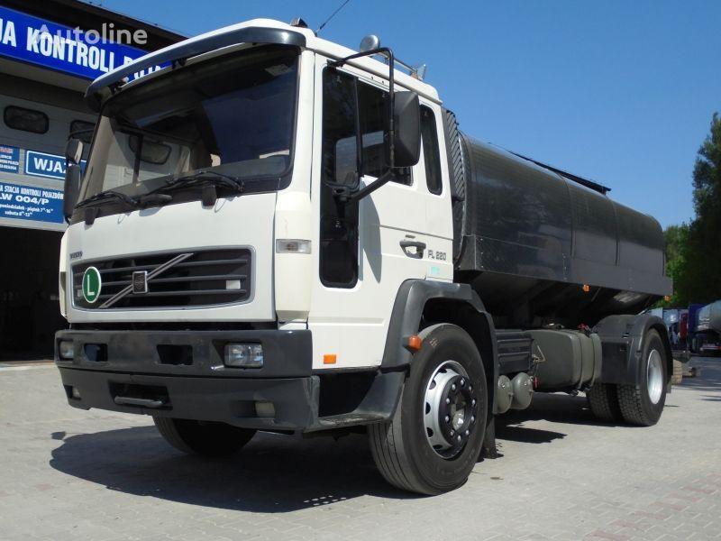 камион млековоз VOLVO FL220