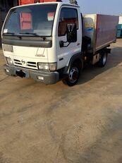 камион самосвал NISSAN CABSTAR 45.13 Ribaltabile + Gru