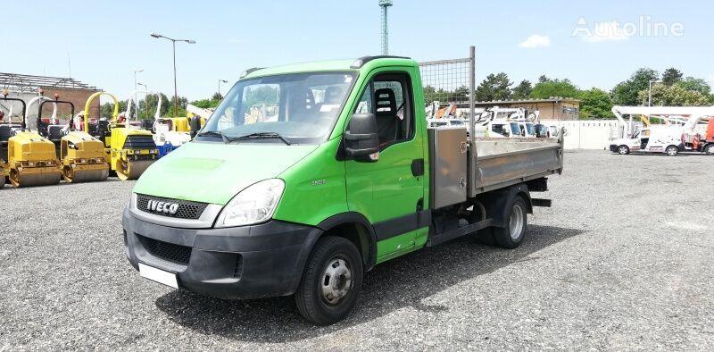 камион самосвал IVECO 35C13