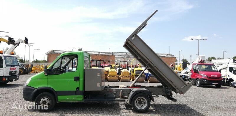 камион самосвал IVECO 35C13 - tipper