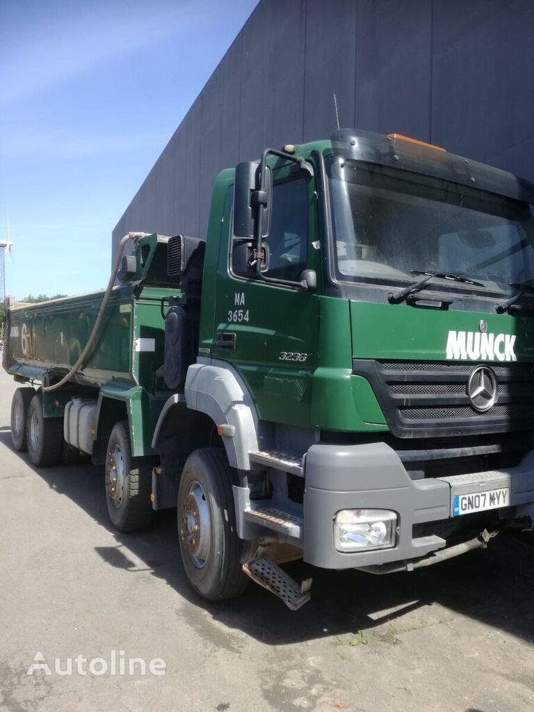 камион самосвал MERCEDES-BENZ 3236 8x4 axor