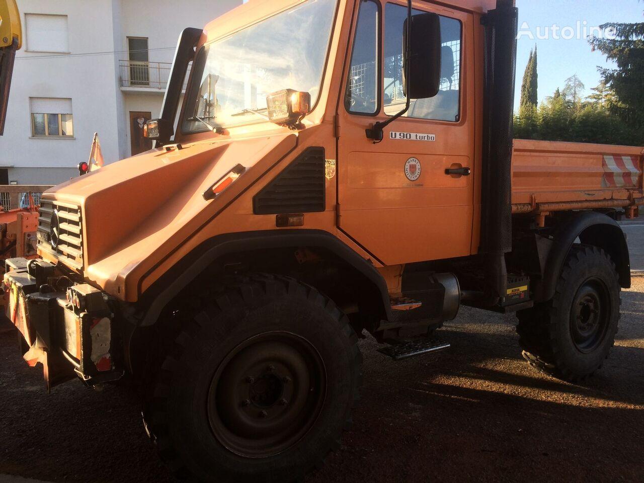 камион самосвал MERCEDES-BENZ Unimog U90