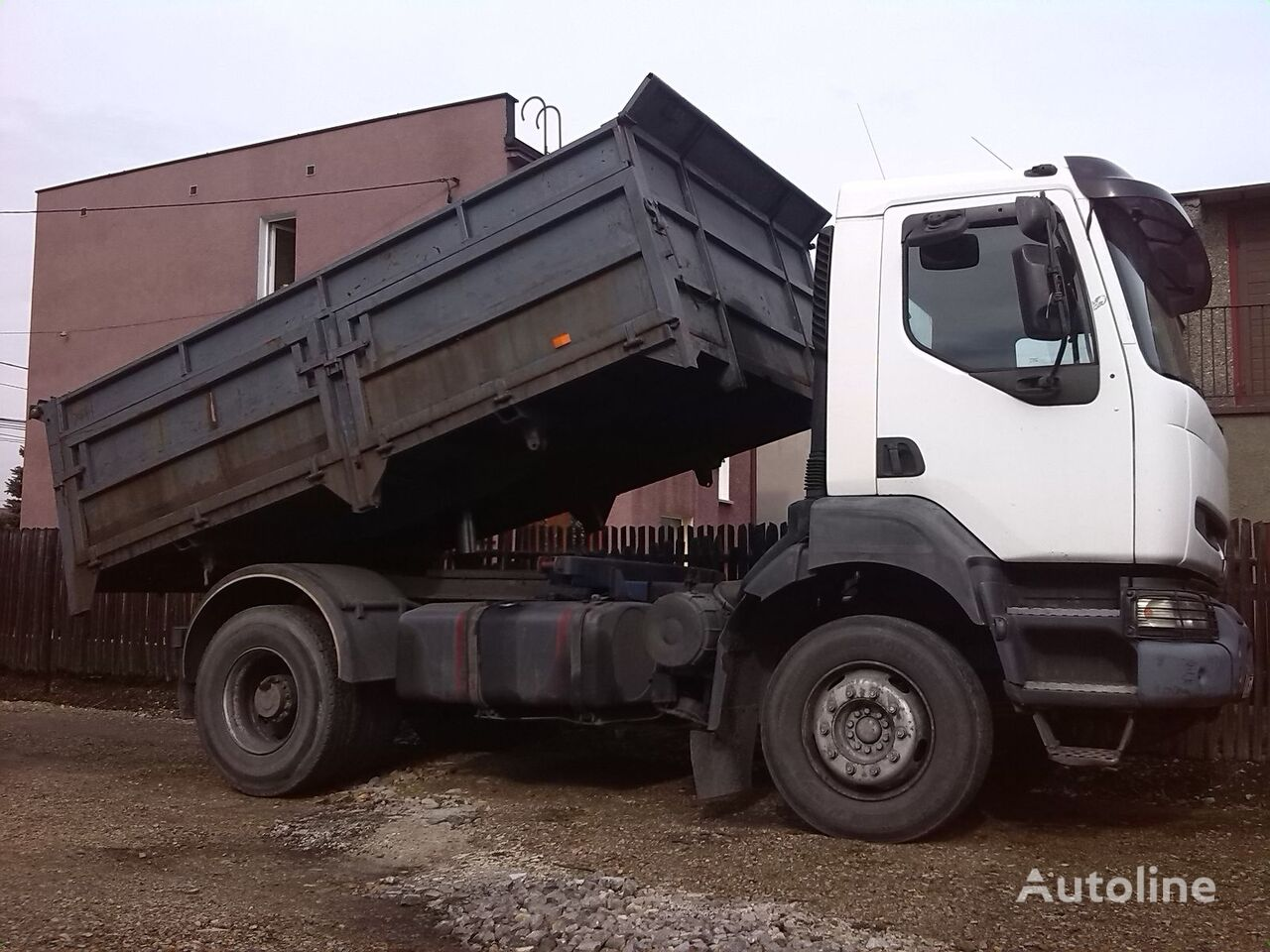 камион самосвал RENAULT KERAX  400 MANUAL PUMP  FULL STEEL