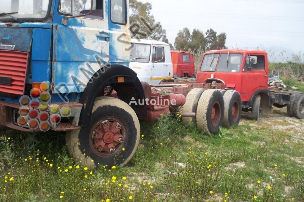 камион шаси IVECO 330 26