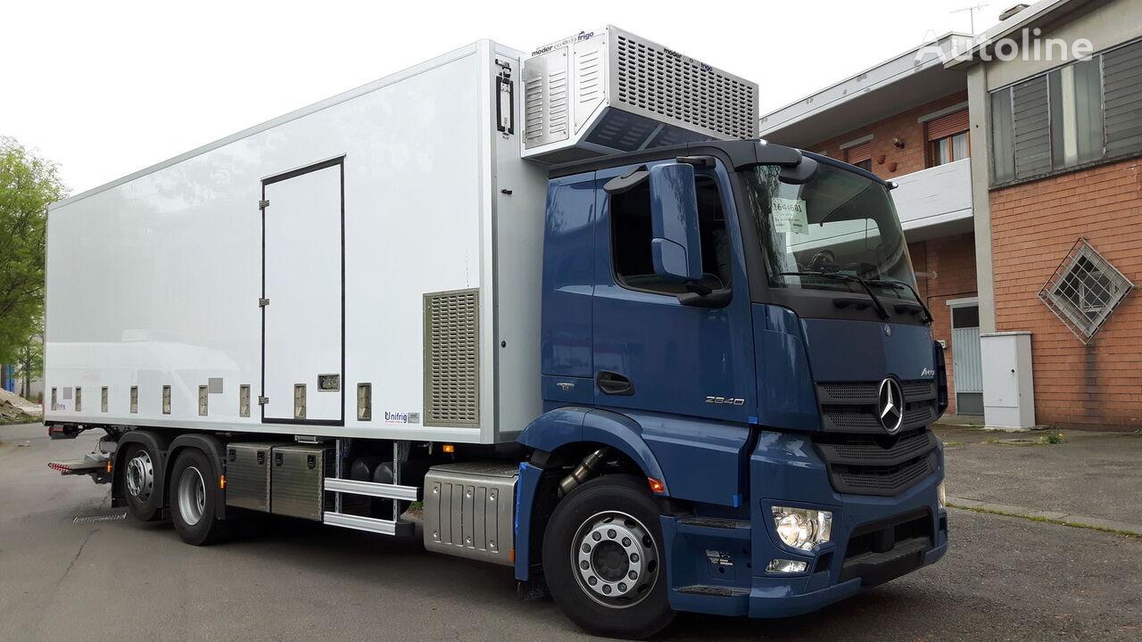 нов камион за превоз на птици MERCEDES-BENZ SPECIAL CHIKS TRASPORT VEHICLE-Koeken Aufbau-