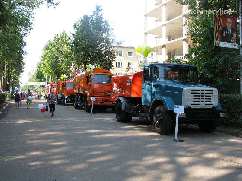 камион за отпушване на канали ЗИЛ Каналопромывочная машина КО-502Д