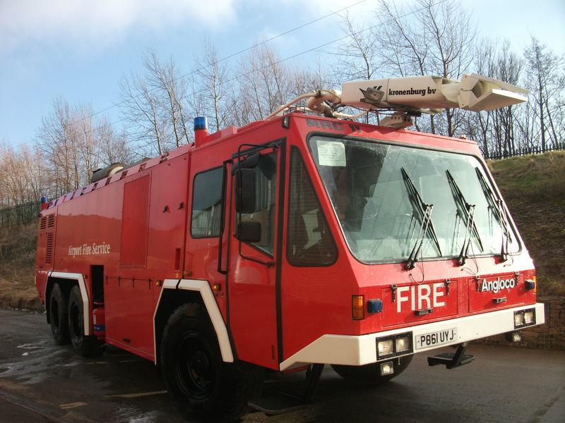 пожарна кола за летище ## FOR HIRE # ANGLOCO AIRPORT FIRE FIGHTING VEHICLE / KRONENBURG