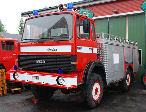 пожарна кола IVECO 4x4 WD