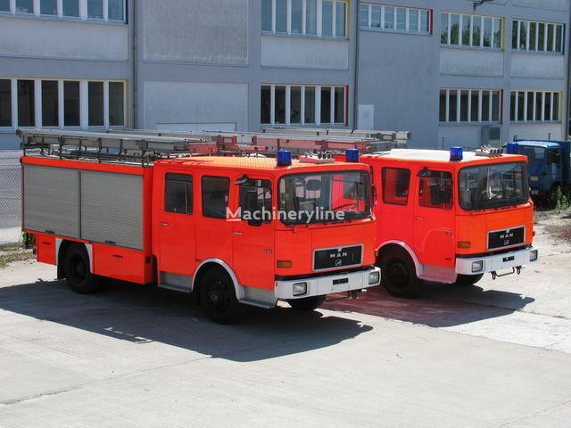 пожарна кола MAN TLF 14.192  1.700 Liter Wassertank 400 L Schaum
