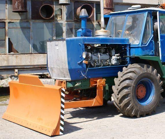 гребло ХТЗ Бульдозерное оборудование (отвал, лопата) на тракторах ХТЗ 150К