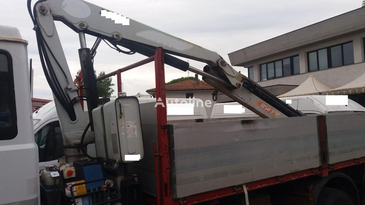 прикачен кран PM 8523 con 3 sfil idraulici
