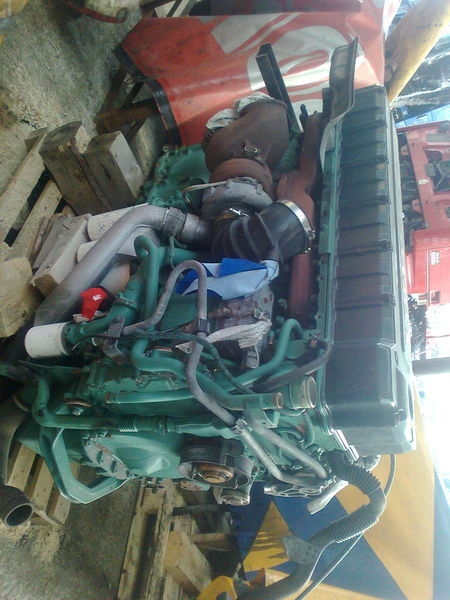 двигател VOLVO D12D за влекач VOLVO FH 12